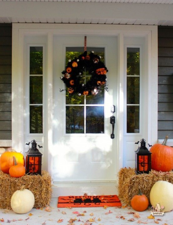 cool-halloween-front-door-decor-ideas-
