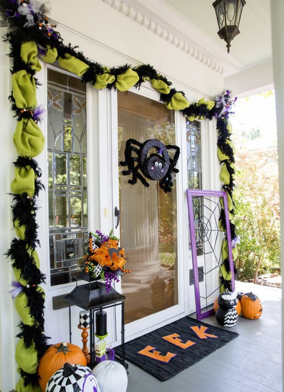 cool-halloween-front-door-decor-ideas-11