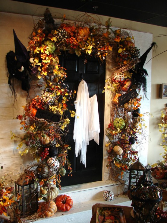 cool-halloween-front-door-decor-ideas-7-554x738