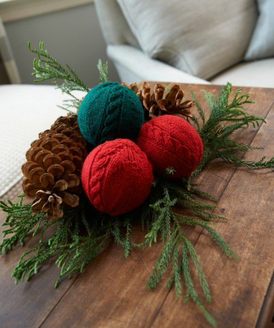 Knitted Christmas Decoration 18