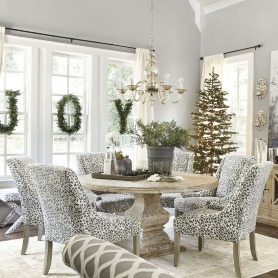 Window Decor Ideas for Christmas 18