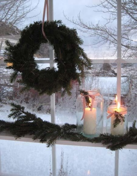 Window Decor Ideas for Christmas 24