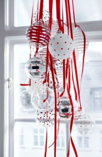 Window Decor Ideas for Christmas 29