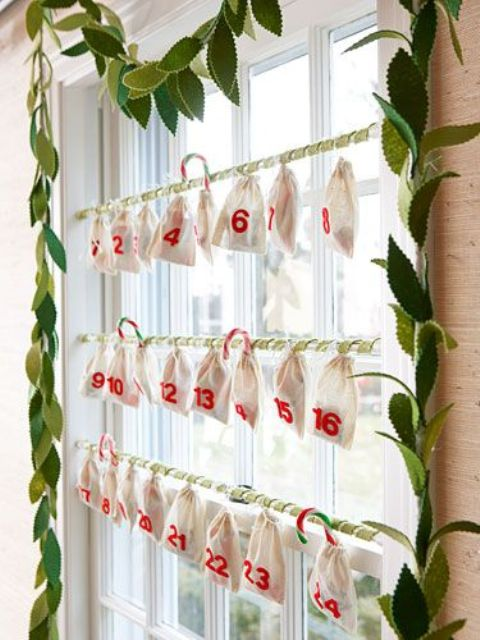 Window Decor Ideas for Christmas 32