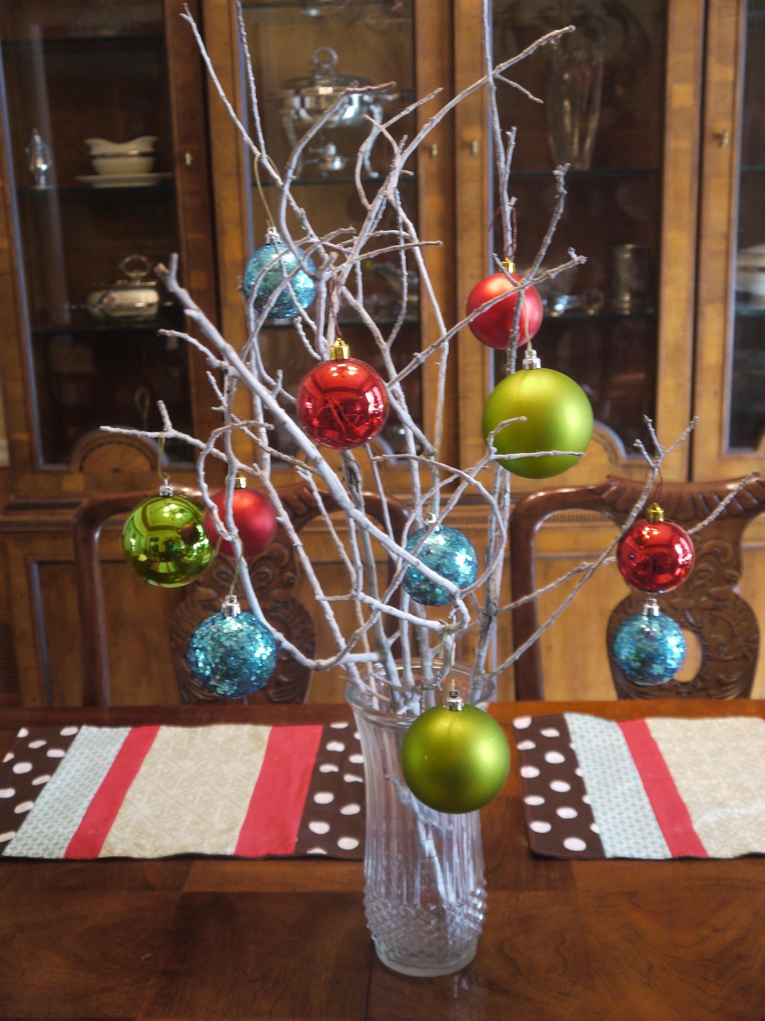 Beautiful Christmas Centerpieces 16