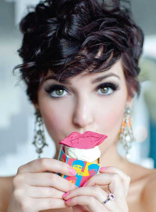 35-Cute-Short-Hairstyles-for-Girls-24