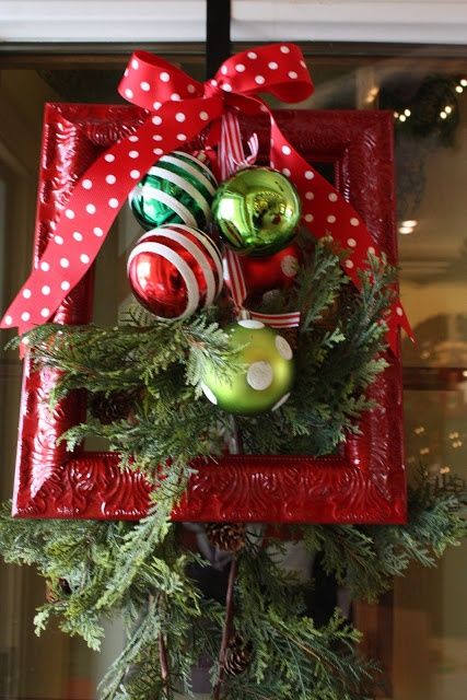 Red And Green Christmas Decoration Ideas 14